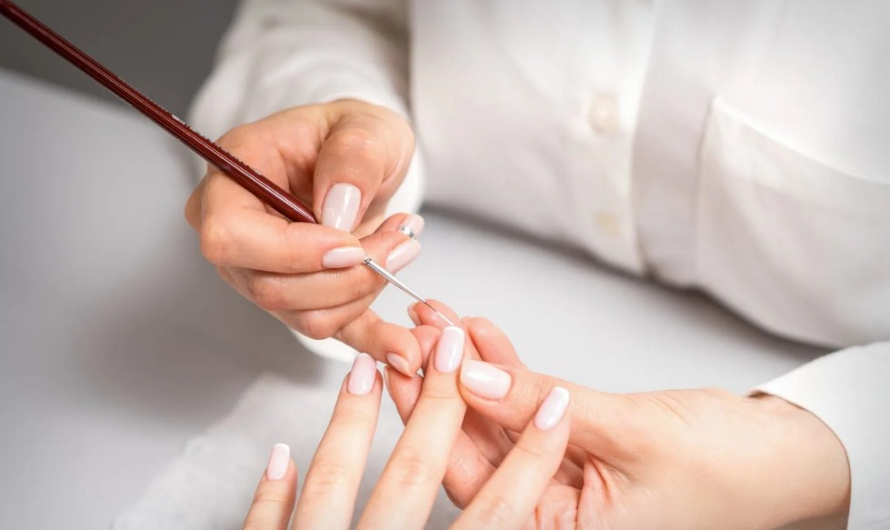 Paint the tip of the nail french gel manicure image